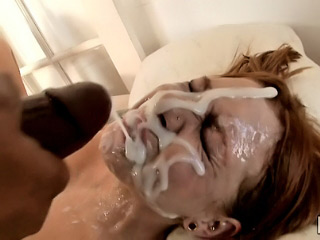 Hot babe got injected with heavy dose of cum on her face