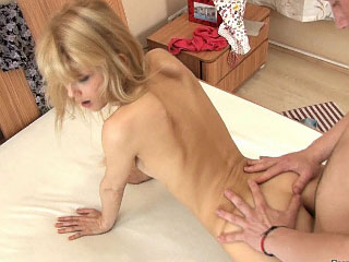 Cute blond babe with worthy fat ass getting anal gaped hard