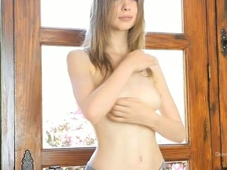Cutie insistent fur pie rubbing is driving her avid