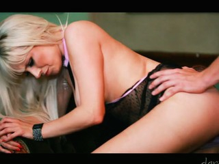 Excited golden-haired Syren Sexton sucks and copulates a large knob