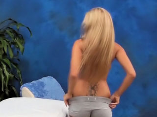 Fascinating blonde babe giving a blowjob and getting pussy fucked